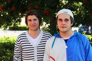 Oskar Jonsson och Filip Franzén är två av eleverna som ska starta UF-företag i år.