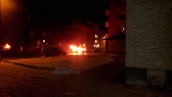 Bilen brann kraftigt.
