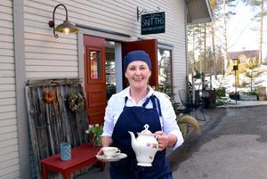 Kärsti Hård har rustat upp delar av fastigheten och satsat pengar från en husförsäljning på ett hantverksbageri i det som en gång var hennes morfars bageri.