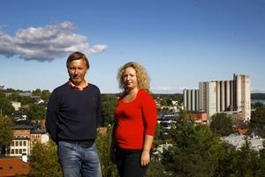 Mesta rörelsen på bostadsmarknaden är lokal. Men nyproduktionen av bostäder är för dyr. Lasse Tapper, mäklare