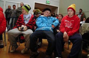 Femteklassarna från Järpen tyckte fullmäktigemötet var tråkigt. Det var lätt att missa själva beslutet och det kändes snopet på något vis när det var taget.