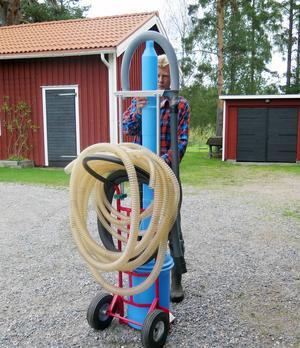 Den finska dammsugaren ska fånga upp bären och rensa bort skräpet.