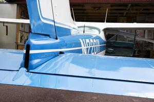 Modellen C177 är lite speciell. Den har inga stag från vingarna och bakdelen ser inte riktigt ut som en traditionell cessna.
