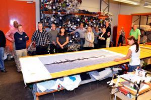 Industritapetsering AB gör bland annat ljuddämpande tavlor i Klaessonhuset.