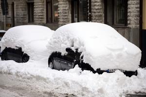 Snökaos i Stockholm - en riksangelägenhet. Men inte blir det väl lika stora rubriker när det snöar några decimeter i Norrland?