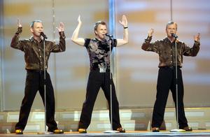 Bröderna Herrey återförenades 2002 när de framförde den gamla vinnarlåten på melodifestivalens deltävling i Sundsvall.