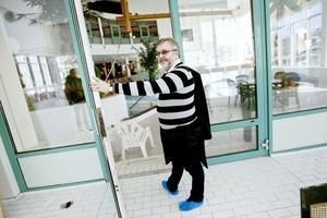 Ulf Gillström släpper motionsrätten fri. Från årsskiftet väntas årskortsinnehavarna på Parkbadet få träna, bada och basta hur mycket de vill.