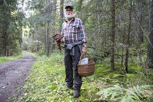 Anders Hirell vet det mesta om svampar. Men så har han också skrivit en bok i ämnet.
