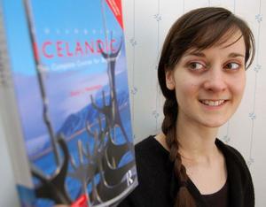 Hannas intresse för det isländska språket är hon att upptäckt dess anknytningar till älvdalskan.