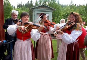Fiolspelarna Linda Axelsson Lindhamn, Mikael Nilsson, Carina Pettersson och Annelie Norell.