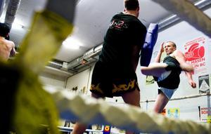 Arvid Forsman har tränat thaiboxning i två år och tränar nu fyra-sex gånger i veckan.