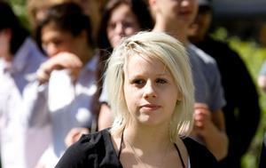 Line Nielsen är en av eleverna som tagit initiativ till manifestationen. Om de inte kan få skolledningen att behålla Alf Nyström på skolan vill de i alla fall stötta honom.