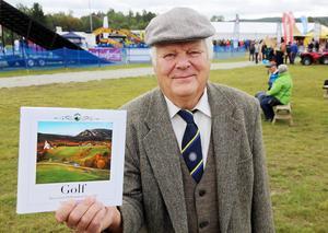 Mats Widén har skrivit och sammanställt boken om golfbanan i Ljusnedal.