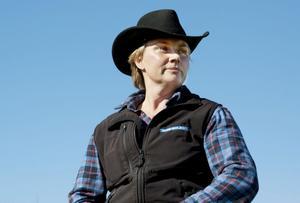 Maria Hell vittnar om hur kul det är att driva boskap, samt hur snabbt det går.