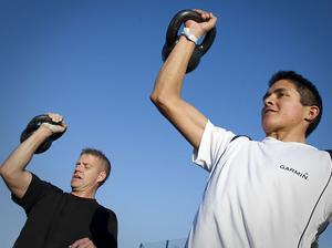 Lars Eliasson och Edgar Wik körde ett tungt kettlebellpass som avslutning på dagen.