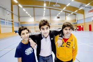 Vännerna Yehya Nabulsi, 14 år, Hasan Akbul, 14 år och Omar Muhammed, 15 år var alla glada när Nordostprojektet återuppstod i ny regi.
