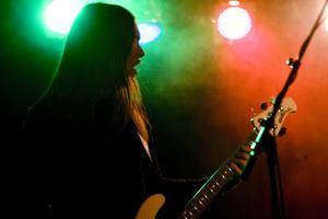 Basisten Sampo Axelsson har tidigare spelat med Glenn Hughes från Deep Purple och Black Sabbath.