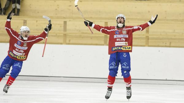 Erik Jakobsson och Petter Andersson jublar.