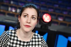 Nour El Refai har gjort en humorshow om sitt deppigaste år i livet, året då hon enligt egen utsago uppförde sig som ett as.