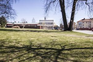 Parken vid polishuset kommer att ses över och den kommer att få en ny struktur i höst.