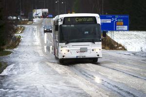 Flera hundra bussar berörs av nya regler och den nya upphandlingen för kollektivtrafiken i länet som träder i kraft sommaren 2014. Betydligt högre miljökrav än i dag kommer då att ställas.
