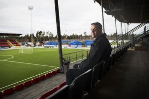 Daniel Kindberg har stora framtidsvisioner för sitt ÖFK. Redan nästa år höjs spelarlönebudgeten rejält.