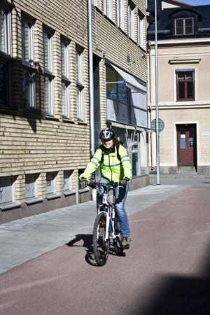 Nu börjar Anna Karin Åhsgren trappa ner träningen inför loppet. Men vardagsträning, som att cykla eller gå till jobbet, gäller alltid.