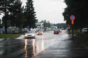 Vattenkaos på Voltvägen i Östersund.