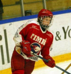 Timrås Annie Svedin, 14, var en av matchens dominanter.