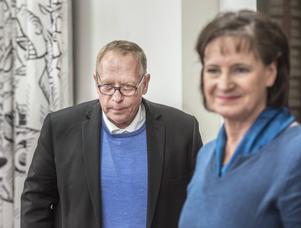 Kommunalskandalen rullar vidare – nu utan kassören Anders Bergström. Här på bild tillsammans med Kommunals ordförande Annelie Nordström.