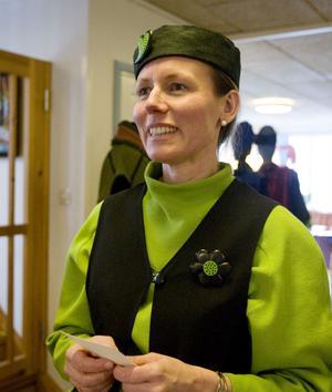 Ulrika Södergård presenterade linnekläder från Evas linnekläder.