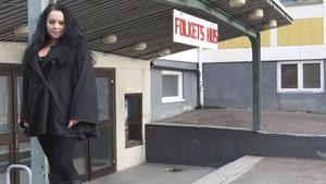 """""""Det är läskigare att uppträda här än där man inte känner någon överhuvudtaget"""", sade Nina Lundqvist till FP för två år sedan, när hon skulle uppträda i hemorten Fagersta."""
