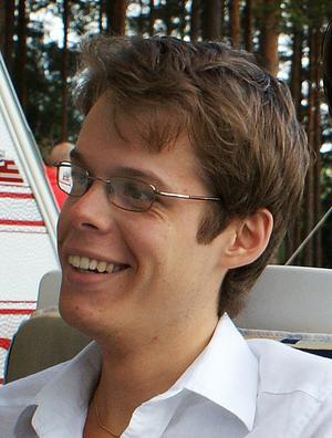 Mattias Perzon från Bollnäs arbetar fyra veckor av sommarlovet i Norge för att finansiera sina studier.