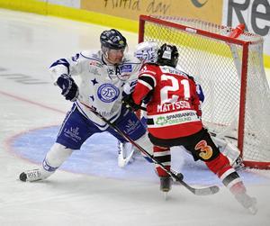 Mattias Timander var som vanligt klippan i Leksands defensiv.