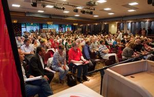 STOR SAMLING. Över 200 medlemmar kom till Socialdemokraternas medlemsmöte för att utse nya kommunalråd.