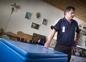 Pelle Einarsson hyrköpte frysboxar till sin glass- och matförsäljning men tycker inte att de håller vad han blivit lovad.