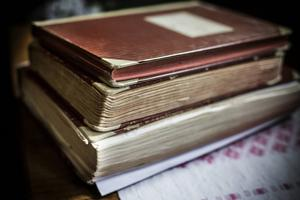 2,7 kilo väger dagböckerna som sköterskorna har skickat mellan varandra.