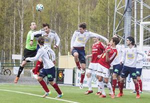 IFK skapade några bra chanser även i andra halvlek med Selånger mobiliserade bra.
