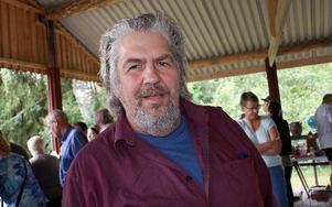 Jan Östensson har haft sin auktionsbyrå i 25 år. Han är med under Gagnefs auktionsvecka med auktioner i Bodarna.FOTO: CHARLOTTA RÅDMAN FRANS