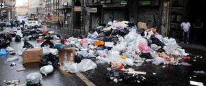 När sophämtningen inte fungerade i italienska Neapel drunknade staden i sopor. Varslet i Västerås gäller dock bara förbud för övertid, mertid, inhyrning och nyanställningar i kraft, inte sophämtning i stort.