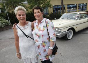 Carina Lagerman och Inger Nordin hade stora förväntningar på nostalgikvällen.
