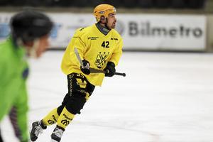 Det svänger snabbt för Jesper Hvornum. I somras anslöt han till Vetlanda – nu är försvararen klar för en utlåning till Åby/Tjurheda.