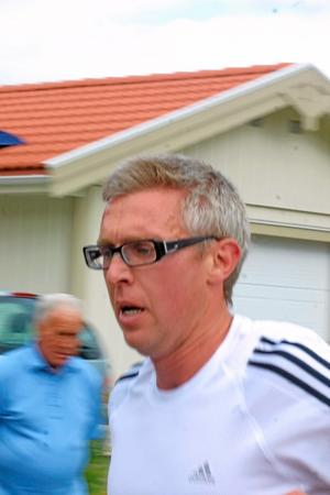 Patrik Fagerström, Sala, sprang en mil.