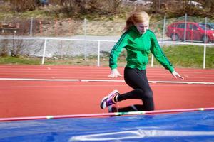 """Enkelt. Nicole Persson prövade på att hoppa höjdhopp. """"Det var inte så svårt,"""" sade hon."""