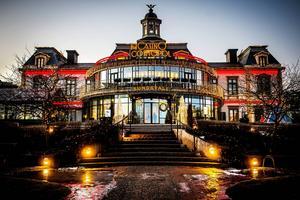 December 2015. Sedan 2004 har Casino Cosmopol dekorerats med lampor i juletid.