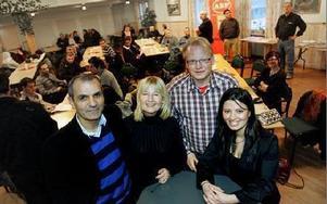 Socialdemokraterna hade valupptakt inför EU-valet i sommar i Folkets Hus i Kvarnsveden.– Ett lågt valdeltagande gynnar enbart konservativa kretsar, säger Josef Erdem, Marita Ulvskog, Peter Hultqvist och Evin Cetin.De efterlyser en aktiv jobbpolitik in