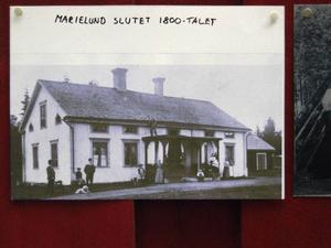 Gården Marielund har byggts om flera gånger. På den här bilden från slutet av  1800-talet är den i sitt ursprungliga skick.