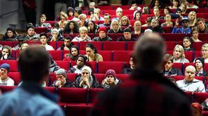 Eleverna på Wadköpings utbildningscenter har stormöte.