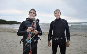 Bröderna Urban och Lars Lind är nöjda trots lite byig vind.