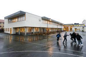 Hur berikas Norrtullsskolan och undervisningen av att det är så många kulturer och språk? undrar Bengt Bengtsson.